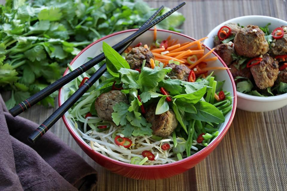 Cestovatelská kuchařka díl 9. - Dýňový salát s estragonem a slaninou od Dagmar Mulligan