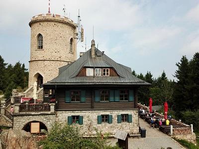 Rozhledna a horská chata Kleť